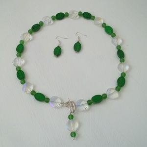 Green And Clear Necklace Set.